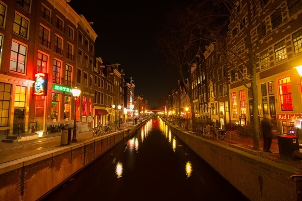 Canale ad Amsterdam by night