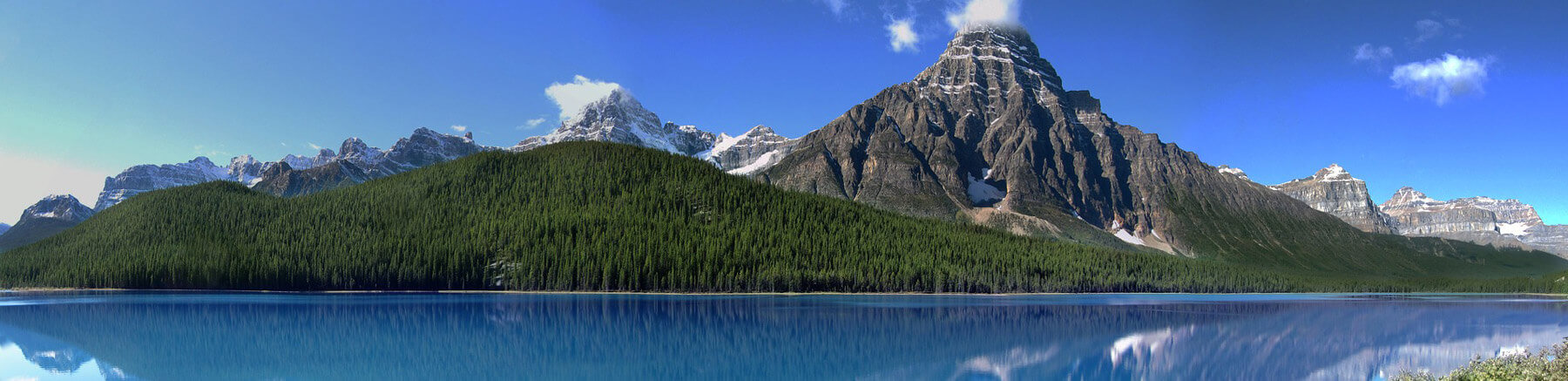 Blick auf den Mount Chephren, im Mistaya River Valley im Banff Nationalpark in Kanada.